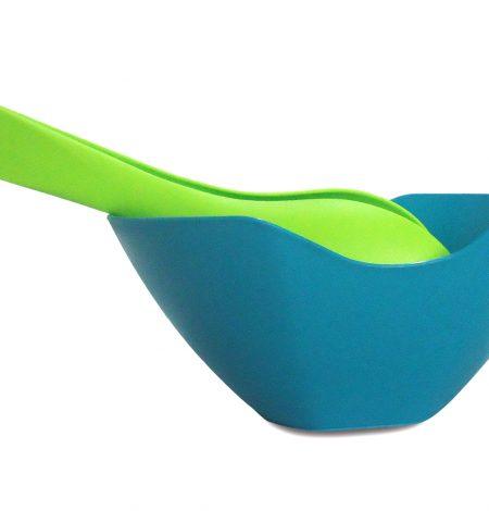 ensaladera-con-pinzas-azul-verde